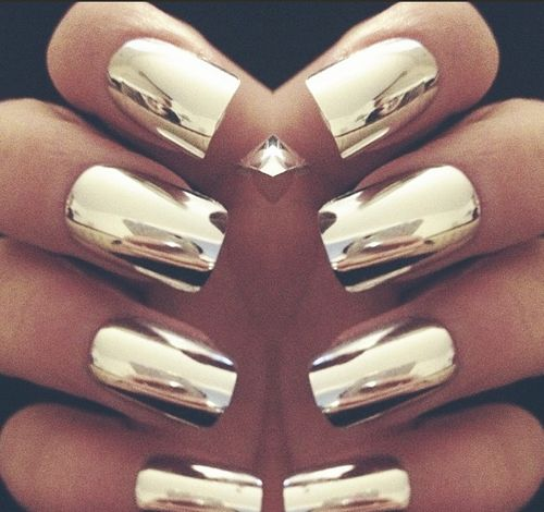 chrome nails1